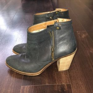 Lucky Brand black leather booties size 8